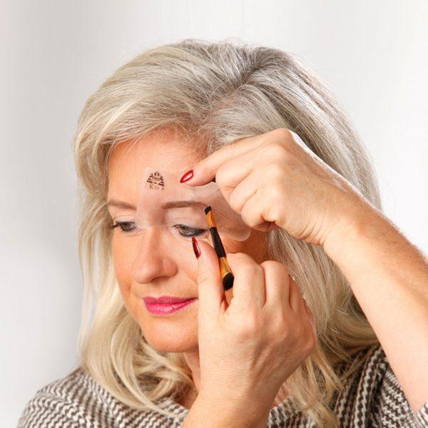 Augenbrauen-Formliner Set Anwendung